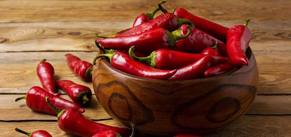 what is banana pepper, comparison between pepperoncini and banana pepper