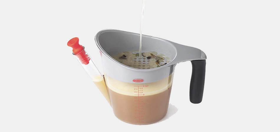 how to use a fat separator for gravy, how does a gravy separator work