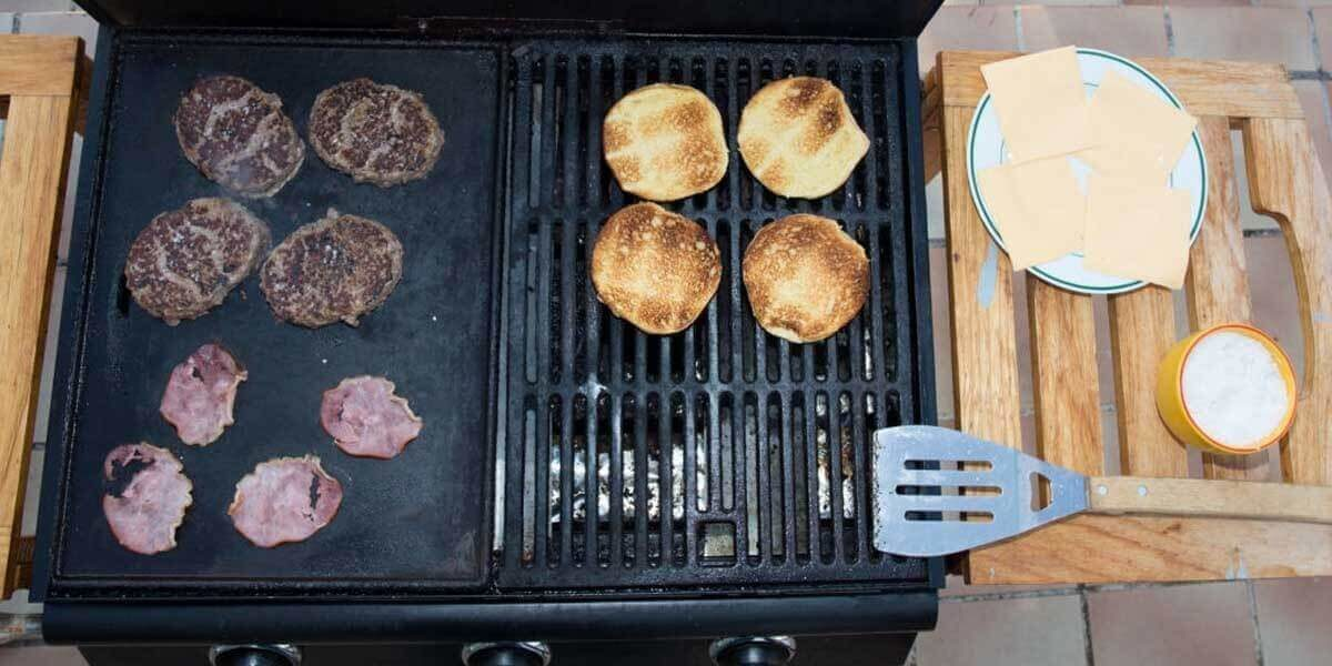 griddle vs grill, outdoor griddle vs grill